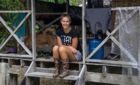 Sanne, 29, sold everything and moved to the Philippines